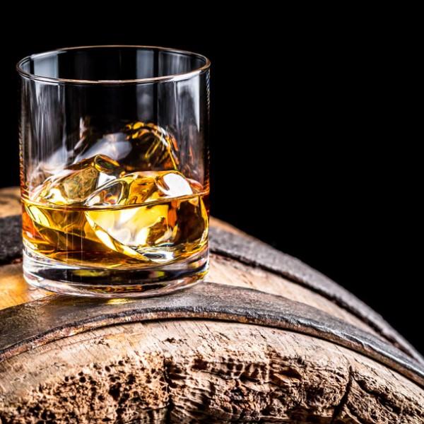 その世界に酔いしれたい。 大人の酒・ウィスキーの魅力とその名店リスト