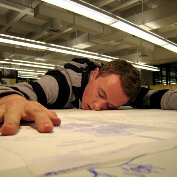 お昼の「ちょっと寝」で仕事の効率をアップ!眠りサポートするおすすめ快眠グッズリスト
