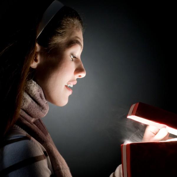 まずは、SNSを活用すべし! 気になるあの子の心を掴む、プレゼントの選び方。