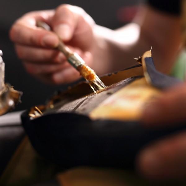 作り手の情熱を背中に感じる。普段使いしたい、大人のための革製バックパック2ブランド。