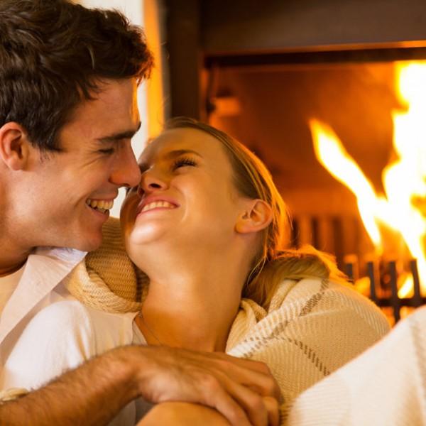 """炎のゆらぎと共に味わう 大人のデート使いにピッタリの""""暖炉""""レストラン3選。"""