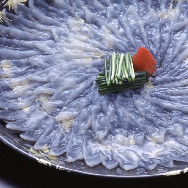 <オトナの旬食手帳> 伊藤は愛し、秀吉は嫌った? 淡白&上品な大人の魚・フグを語れる男になろう!