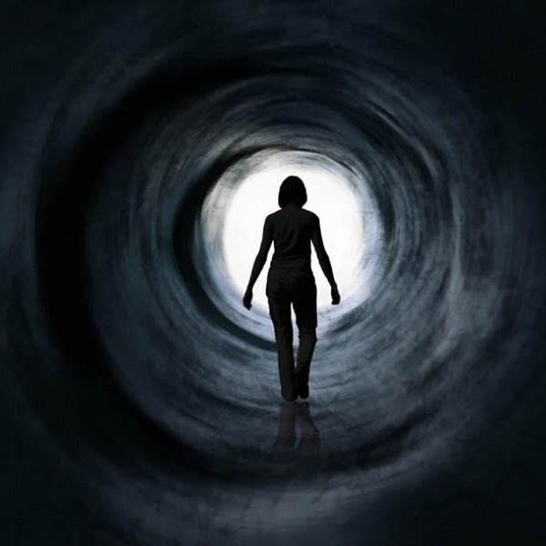 恐怖の先に潜む美しさを…Instagramでみる薄暗いトンネルの姿 5選。