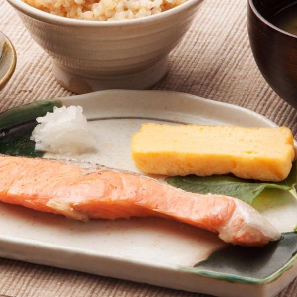 """THE 日本の朝食に舌鼓。 通勤前に""""焼き魚""""が食べられる都内の定食屋 3選。"""