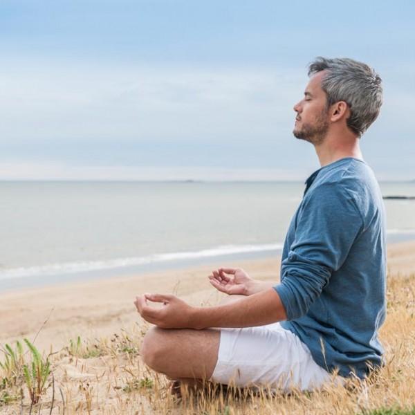 """心を無にして、集中力を高める…1日を気持ち良くスタートする""""座禅""""のすゝめ。"""