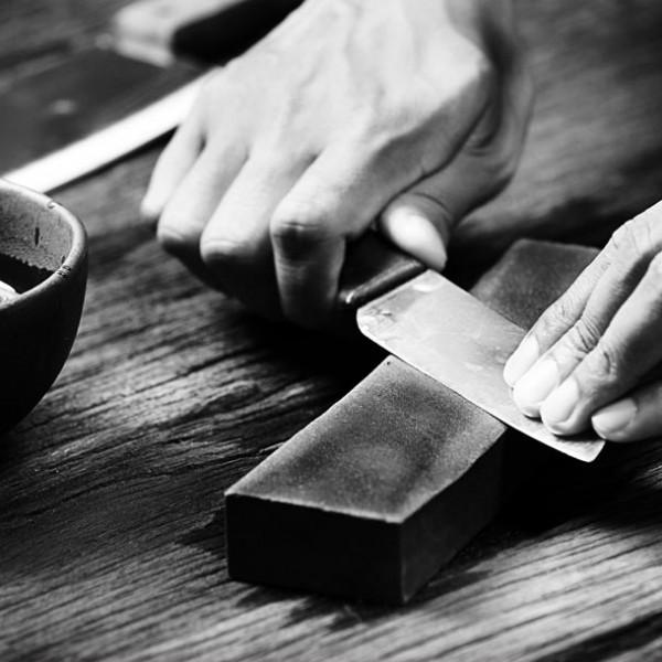 一生使い続けられる物を揃える … 280年の歴史持つ、刃物店『うぶけや』
