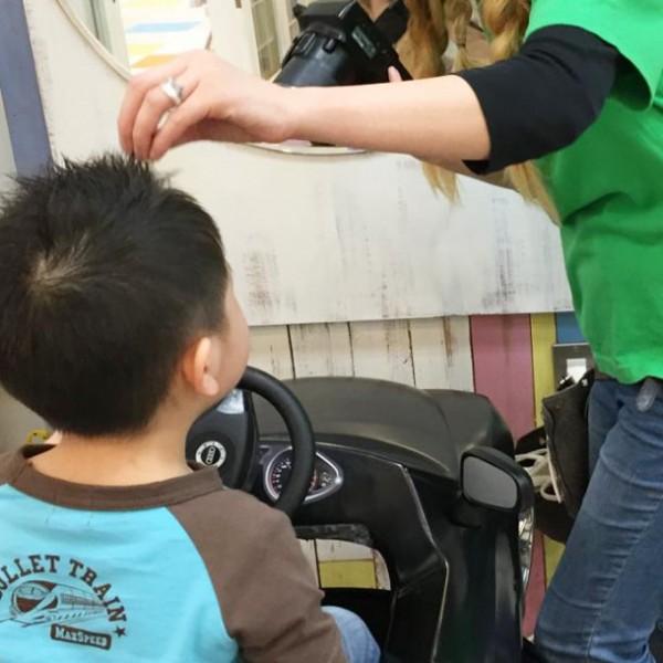 小さなイベントで大きな感動を!見違えるほどかっこよくなる「子供美容室」体験レポート