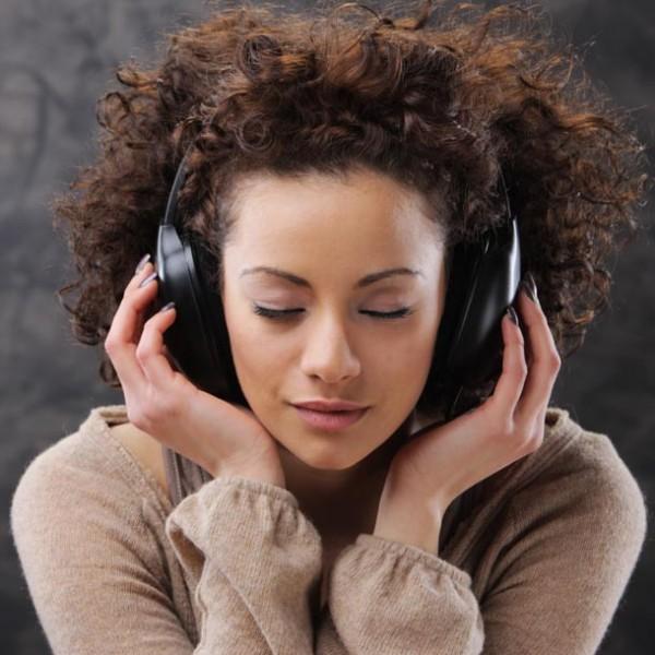 乗り物も家電も?楽器以外が奏でる「音」をモチーフにした曲5選。
