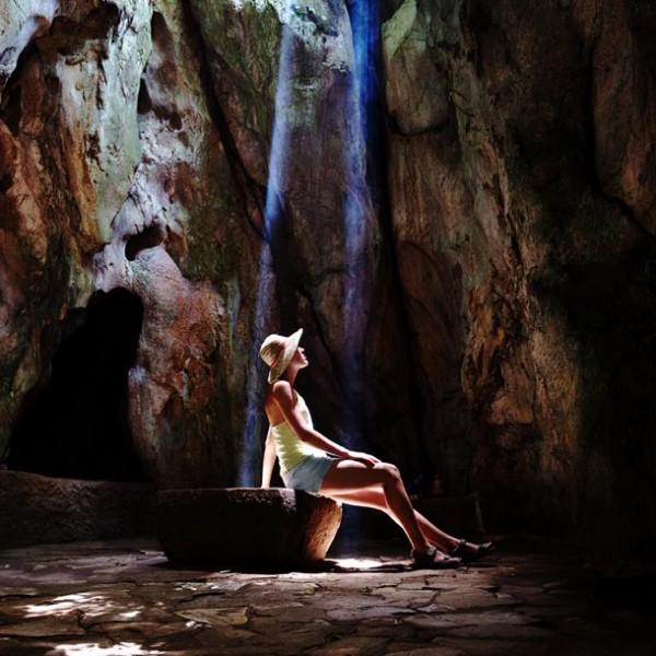 """大地の神秘を垣間見る! 関東地方の""""鍾乳洞""""が美しいスポット 3選。"""