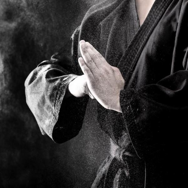 """義務感で使ってない? 日本人の真心が込められた""""挨拶""""の由来を紐解く。"""