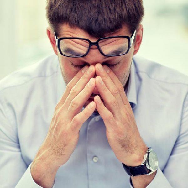 """疲れ目と眼精疲労の違いを知ってる?…毎日の4つの習慣で""""VDT症候群""""予防を"""