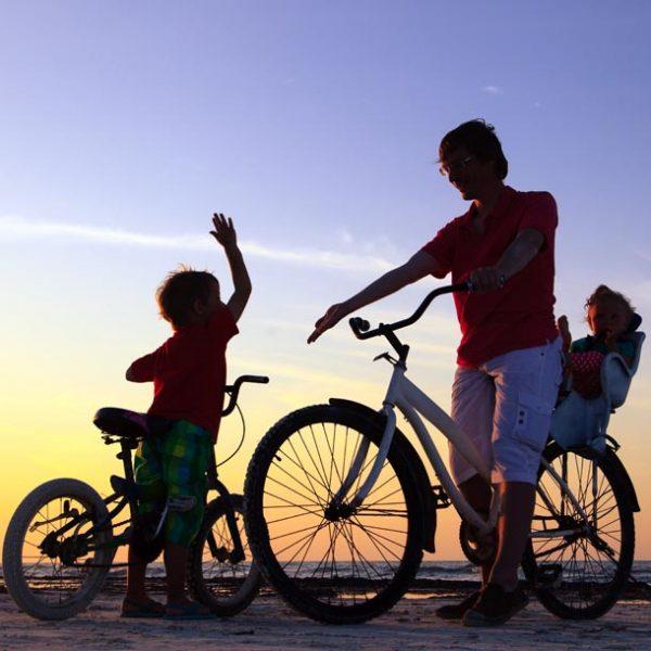 """息子の気分は、自転車レーサー?・・・父子で楽しむ""""ストライダー""""教室イベントレポート"""