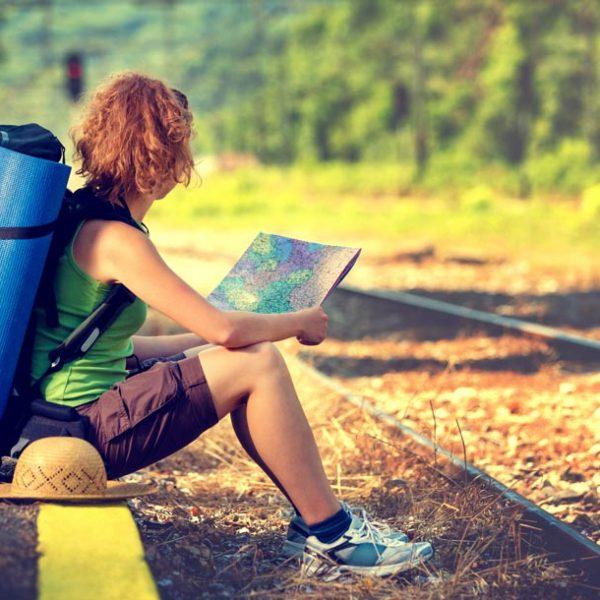 線路は続くどこまでも。… 『大人には、いい休暇をとる、という宿題』を青春18切符で!