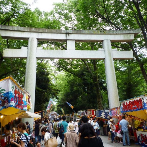大國魂神社「すもも祭」…市民が愛する夏祭りで、甘酸っぱい記憶が蘇る?