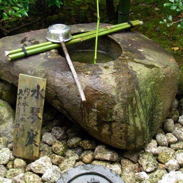 日本の音風景を求めて、音を愉しむ装置「水琴窟」